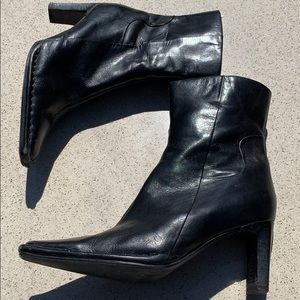 Aldo genuine leather ankle boots zip closure boots